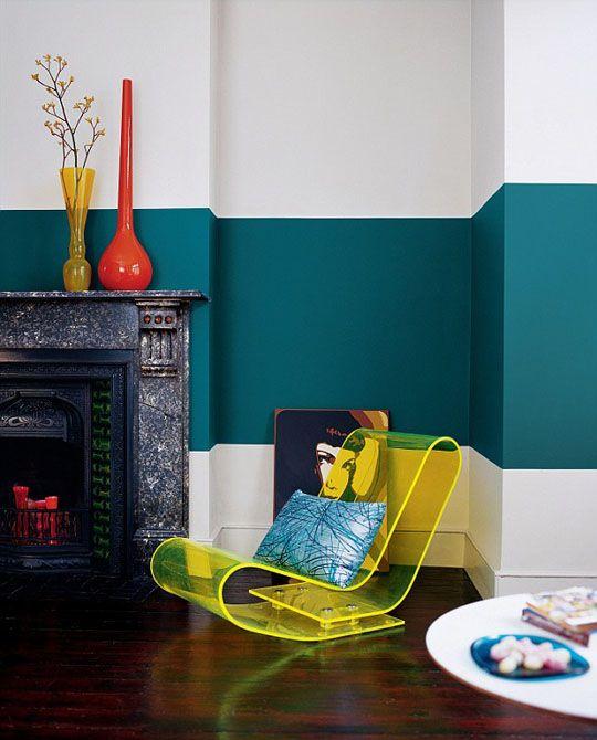 Конртастно ярко райе подходящо за ексравагантна драматична визия на дома.
